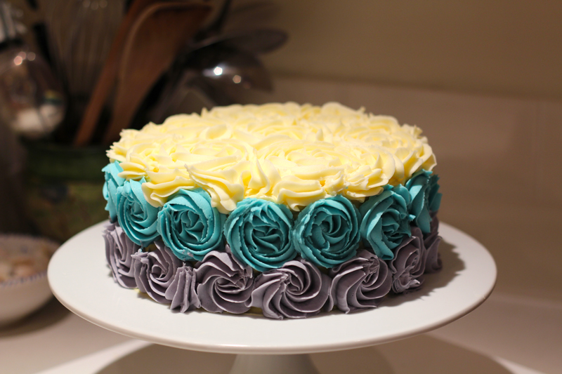 This is an image of the finished shabby chic cake.