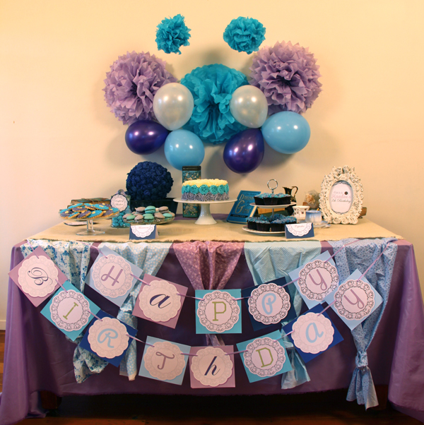 This is an image of the Shabby Chic table.